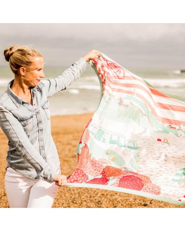 Chemise en jean et foulard Biarritz Grande Plage