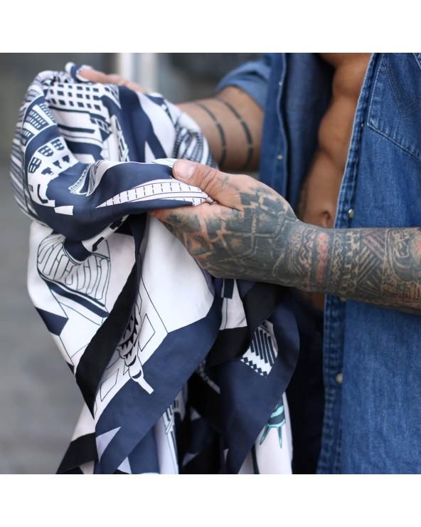 Le foulard New York City et des tatouages